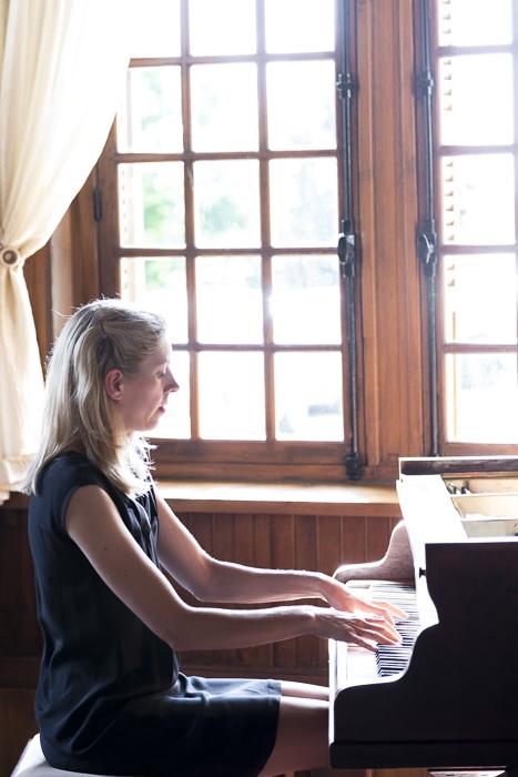 Cours de piano à domicile enfant adulte débutant confirmé - Paris Vincennes Saint-Mande - Elodie Mahler